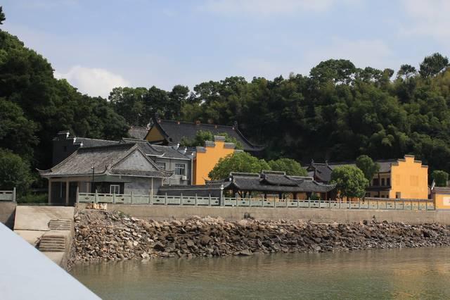 景区景点 横山岛 普南禅寺    观世音菩萨在人们心目中的地位,其道场